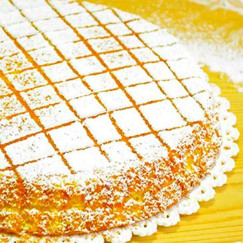 torta con gelatina all'arancia